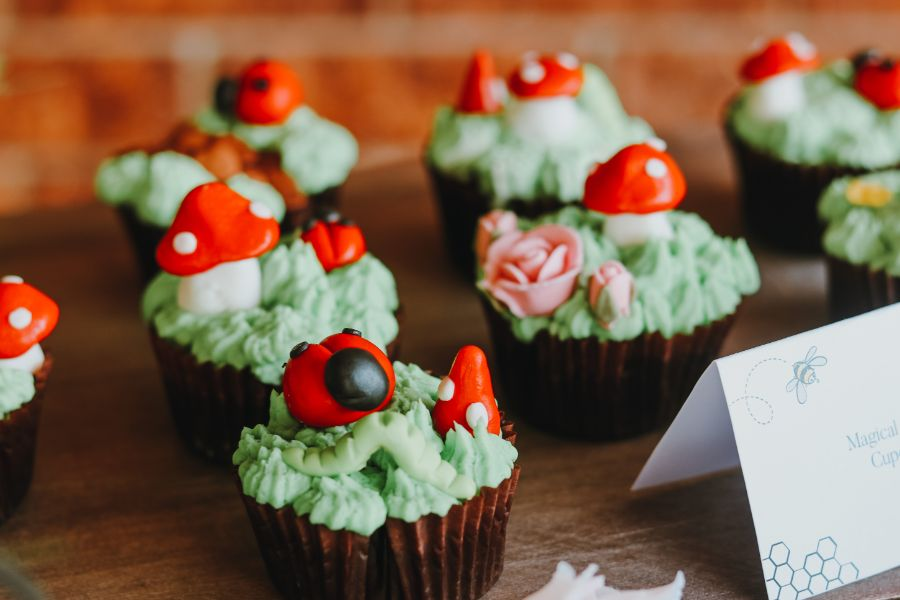 Cupcakes by Sandra, a magical garden party