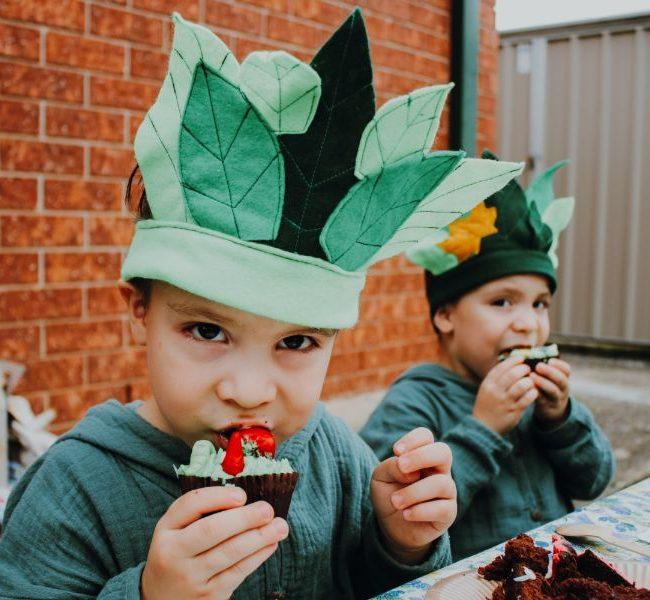 partyora custom leaf crowns styled shoot