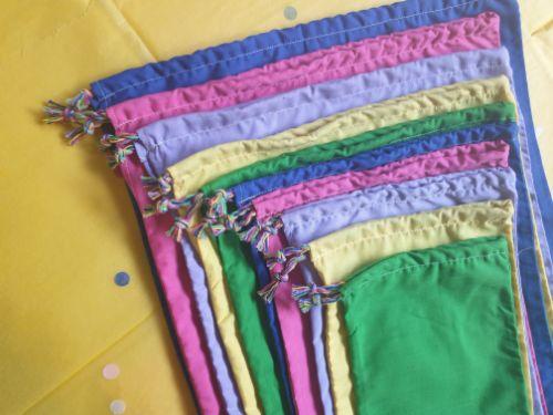 Plain rainbow pass the parcel
