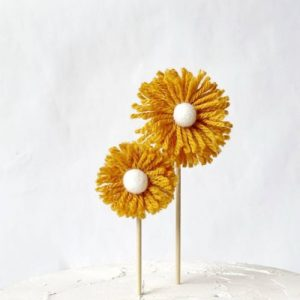 daisy c ake topper